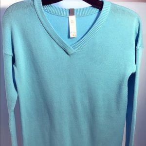 🎀NWOT Ivivva Blue V-Neck Sweater